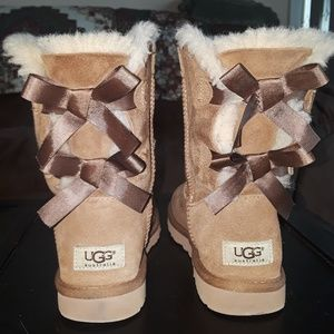 Bailey Bow Ugg's 1002954 Womens Size 6